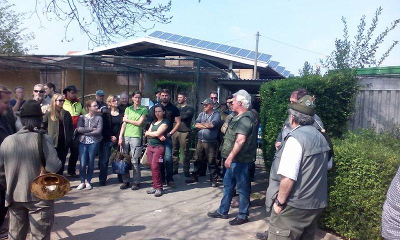 Jäger führen Weiterbildung im Vogelpark